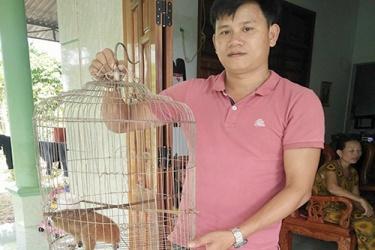 Người dân tự nguyện giao nộp thú Linh trưởng nguy cấp, quý, hiếm để cứu hộ và thả về môi trường tự nhiên